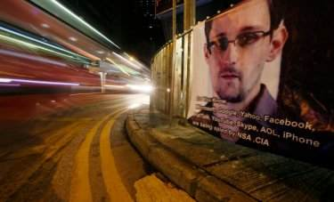 WikiLeaks-is-helping-Edward-Snowden
