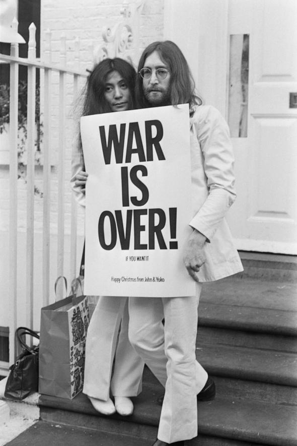 nostalgia_john_lennon_y_yoko_ono_protesta_en_la_cama_por_la_paz_638918026_800x